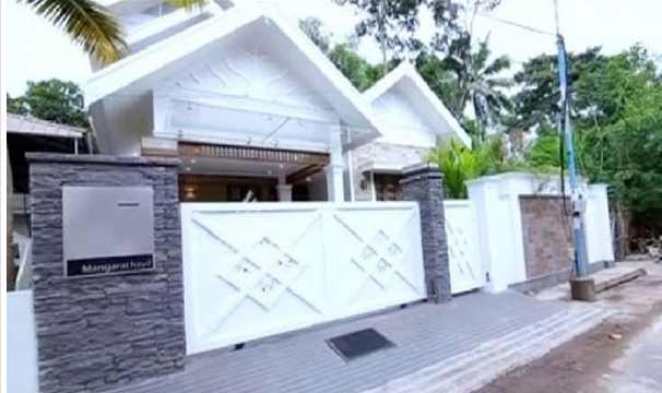 Photo of Colonial style 4 Bed Room Home in Palluruthy