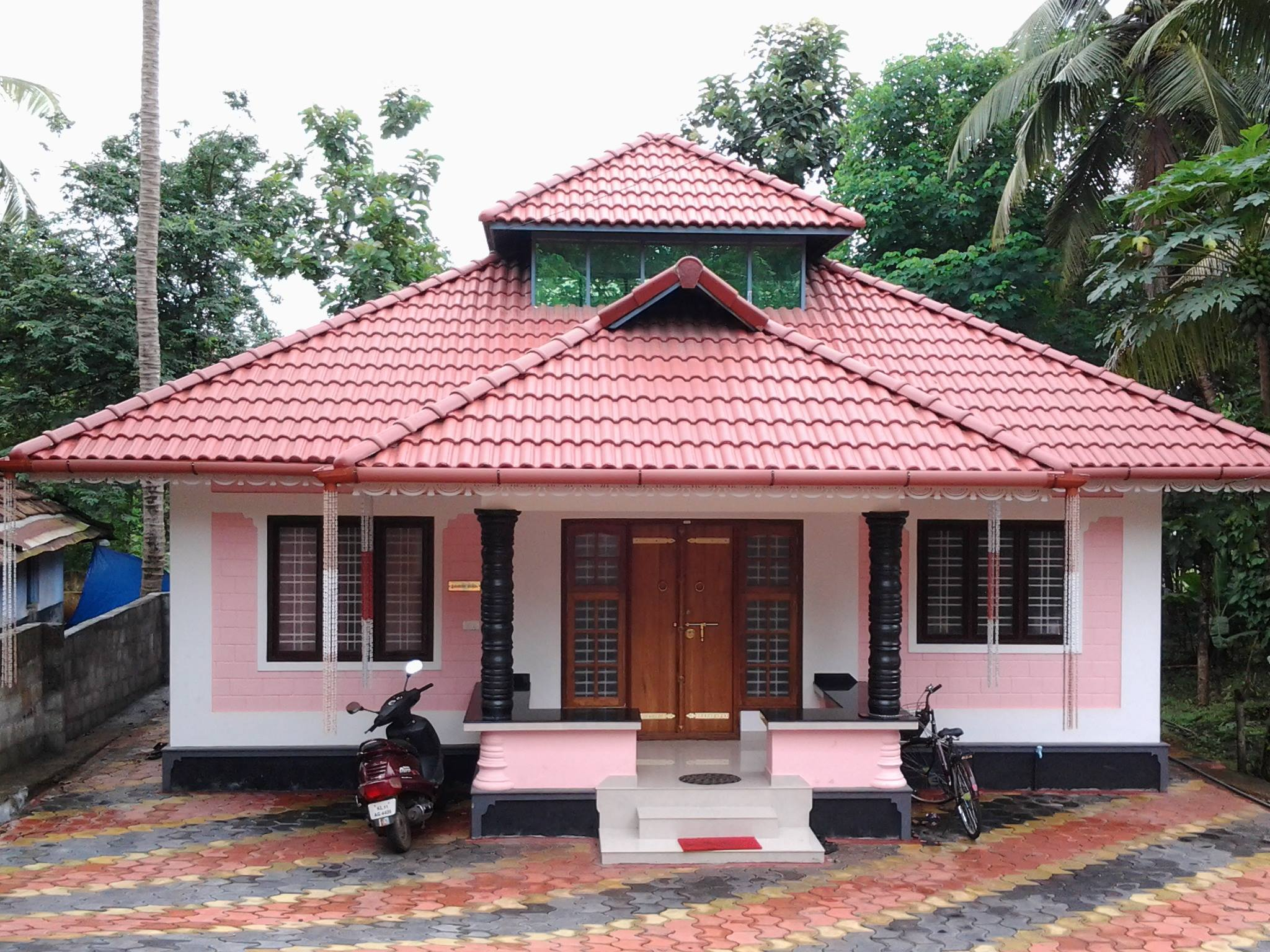 5 lack kerala style low budget 3 bedroom home design Building plans for houses and price