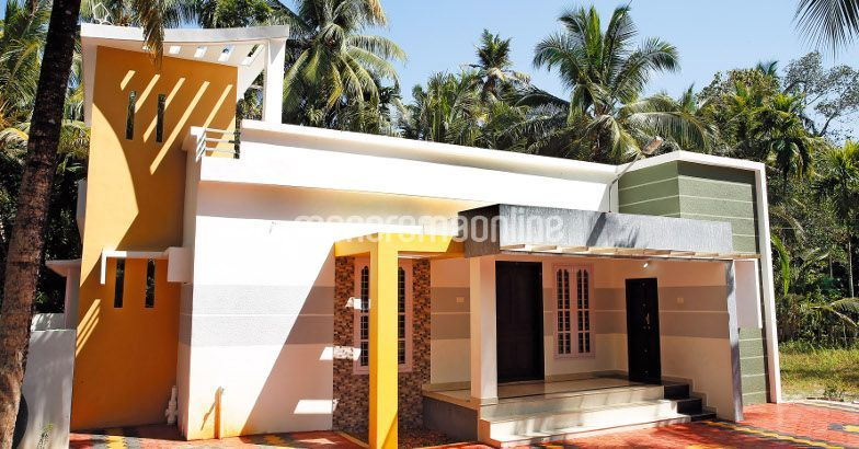 1000 square feet 3 bedroom low budget contemporary home for Low budget modern 3 bedroom house design