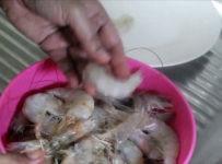 clean prawns